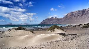 Private Excursions Tours - Caleta de Famara Lanzarote Airport Excursions Tours - Book Excursions Tours Caleta de Famara Lanzarote Your Local Expert for Excursions Tours - Excursions Tours For Groups - Excursions Tours For Private Events - Excursions Tours Rentals - Excursions Tours For Airports